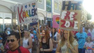 Ålands första Prideparad ordnades den 19 juli 2014.