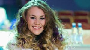 Clarissa kommer att bedöma 37 låtar i Eurovisionen.