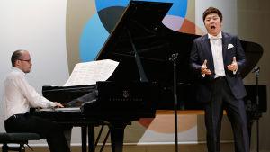 Pianisti Kiril Kozlovsky ja tenori Beomjin Kim.
