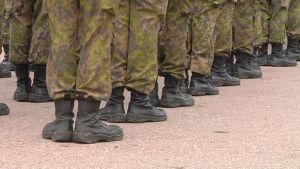 Soldater i militären.