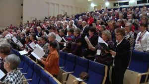 Sångpangfesten för finlandssvenska seniorkörer ordnades 7.-8.2 2015 i Hagalund i Esbo.