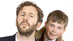 Moone Boy-sarjan Sean Murphy (Chris O'Dowd) ja Martin (David Rawle).