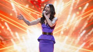 Euroviisut 60 vuotta-konsertti Lontoon Hammersmith Apollossa (Conchita Wurst)