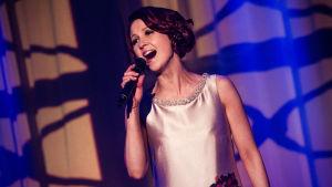 Tiina Pitkänen laulaa finaalin karsinnassa