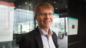Säveltäjä Tapio Tuomela.