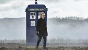 Doctor Who-sarjan yhdeksäs kausi, Tohtori (Peter Capaldi) ja Tardis.