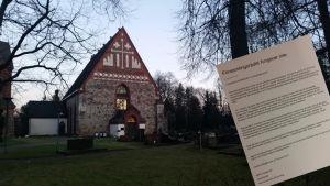 Helsinge kyrka.