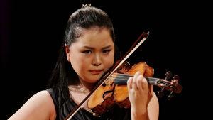 Yoshida Minami Sibelius-viulukilpailussa 2015