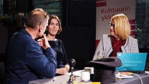 Vesa Kytöoja, Jenna Ristilä, Helena Hannikainen Kantapöydässä 10.2.2016.