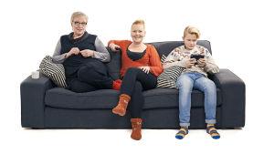 Sohvaperunat-sarjan toinen tuotantokausi, lohjalaiset Eila, Minna ja Olli.
