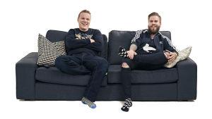 Sohvaperunat-sarjan toinen tuotantokausi, turkulaiset Osku ja Juhani