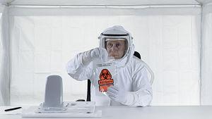 Tanskalainen ohjaaja Michael Madsen testaa ajatusta, miten ihmiskunta valmistautuu kohtaamaan maapallon ulkopuolisin älyllisen elämän.