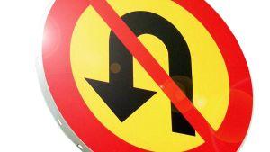 Liikennemerkki, kääntyminen kielletty