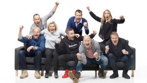 Villi kortti -sarjan esiintyjät Ville Myllyrinne, Tommy Lindgren, Paula Noronen, Juuso Mäkilähde, Riku Riihilahti, Kalle Palander, Essi Hellén ja Aki Riihilahti.