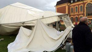 Ett av de tält som kollapsade vid Joensuu Parafest den 12 augusti 2016.