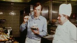 Jaakko kolmonen Islannissa 1983, leipää suussa.