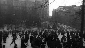 Skridskoåkning på Johannesplan. 1933