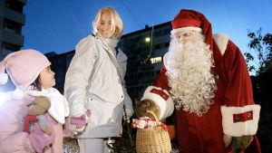 Kotikadun asukkaat muuttivat Kallioon jouluna 2004. Siellä heitä tervehti joulupukki