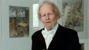Taiteilija Aleksanteri Ahola-Valo haastattelussa.