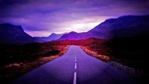 horisonttia kohti kulkeva tie, tummasävyinen käsitelty kuva