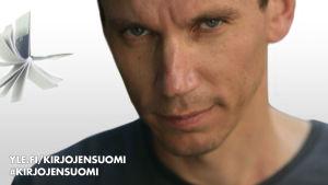 Kirjailija Juha Itkonen lähikuvassa