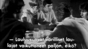 Spencer Davis Group iltapalalla Valmiina - pyörii -ohjelman toimittajien kanssa.