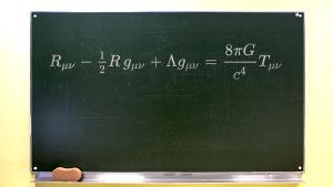 Krittavla i skola med matematisk formel.