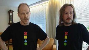 Musiikkiterapeutit Kaarlo Uusitalo ja Markku Kaikkonen johtavat musiikin erityiskeskus Resonaarin toimintaa.
