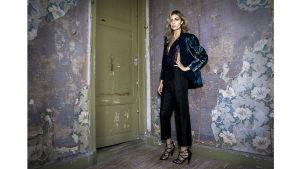Skådespelerskan Cecilia Forss fotograferad för modemagasinet Gloria.