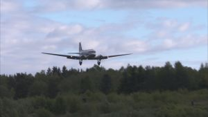 DC-yhdistyksen OH-LCH laskeutumassa Malmille kesäkuussa 2017