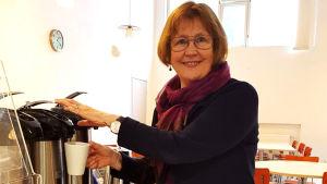 Ulla Granfors lärde sig att betala räkningar i praktiken, inte i skolan.