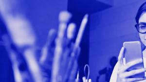 Digitreeni-artikkelin pääkuva. Teksti: Youtube, Digitreenit, yle.fi/oppiminen. Taustakuvassa käsiteltyä Youtuben logoa.