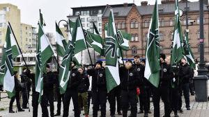Nynazistiska Nordiska motståndsrörelsen höll manifestation i Tammerfors.