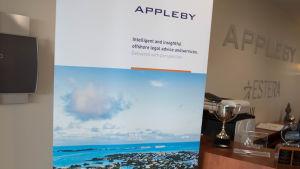 Appleby kontor, Bermuda. Receptionen.