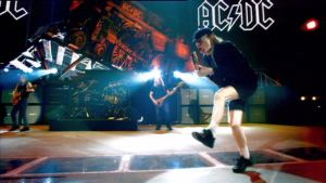 AC/DC:n musiikkivideolta Anything Goes