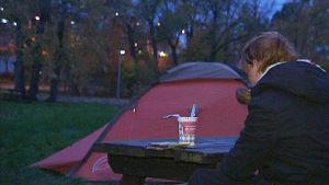 Homepakolaisena teltassa