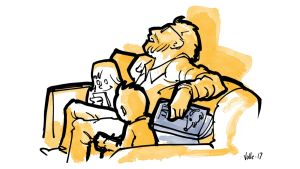 Isä on nukahtanut iltasatuja lukiessa. Lapset käyttävät hänen sylissään tablettejaan.