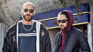 Torpedot-sarjan hahmot Sonny (Torkel Petersson) ja Nima (Leo Razzaki).