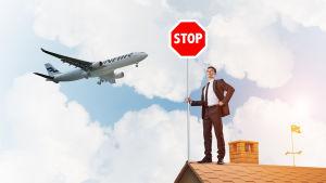Fotomontage av en ma´n som står på taket med ett stoppskylt, och ett flygplan flyger i bakgrunden.