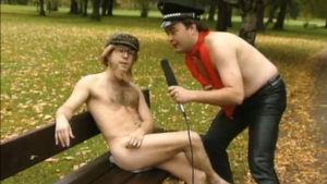 Viuhahtaja Erotix-haastattelussa.