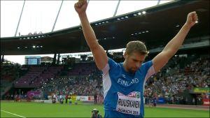 Antti Ruuskanen tuulettaa Euroopan mestaruutta 2014.