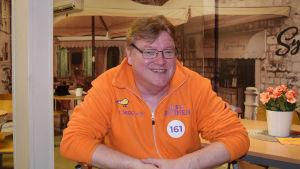 Riksdagsvalet 2019: Jussi Patinen (SAML) på sin valvaka i Lojo.