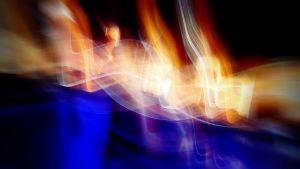 abstrakti kuva, valoa, liikettä