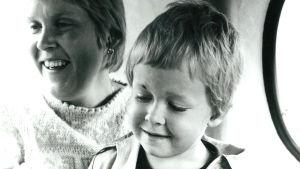 Marcus Rosenlund och hans mamma Iris.