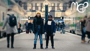 Asta och Valter i musikvideon Det ordnar sig