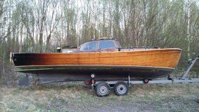 hur renoverar man en träbåt