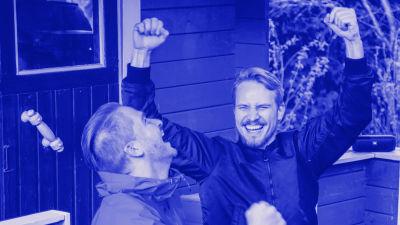 Taustakuvassa Yle Areena päällä kännykässä. Tekstit: Yle Tunnus, Digitreenit ja yle.fi/oppiminen.