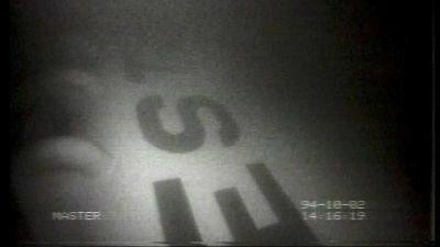 Tv-bild på M/S Estonias skrov i tv-nyheterna.