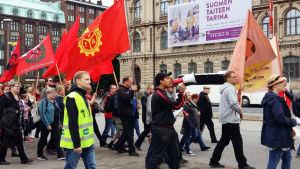 Protestmarsch i Helsingfors mot regeringens budget 3.9.2016.