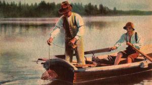Kräftfiske i en sjö på nordsmåländska höglandet på 1930-talet.
